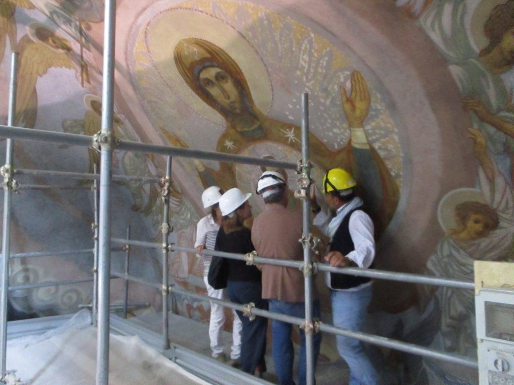 Particolare dipinto murale (Madonna)