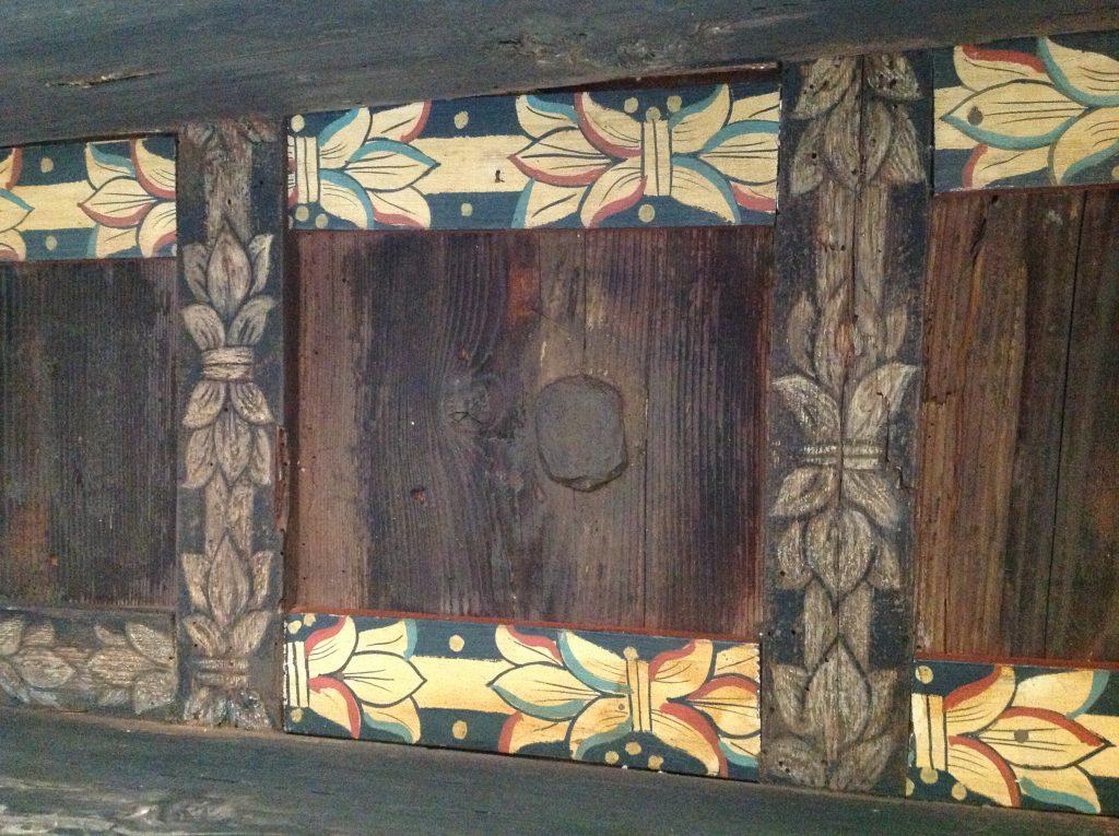 Restauro conservativo Treviso Palazzo Manolesso Particolare del sottoportico ligneo policromo