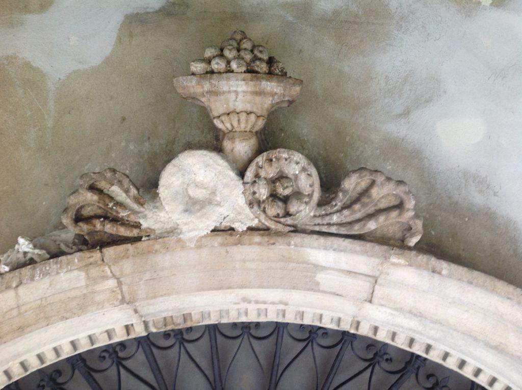 Restauro conservativo Treviso Palazzo Manolesso Pulitura portale